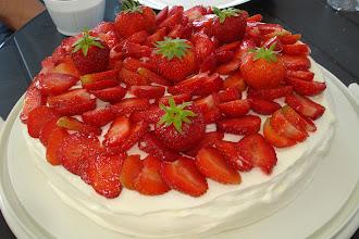 Foto: Liselott hade med den här smarriga tårtan, inte en smula blev kvar!