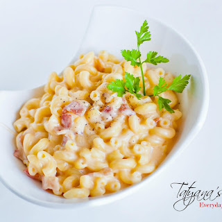 Gourmet Macaroni and Cheese with Bacon and Garlic