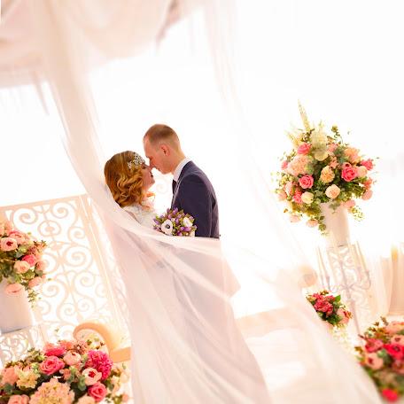 Wedding photographer Anastasiya Nikuyko (stir). Photo of 07.04.2017
