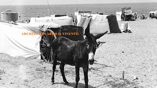 En la playa  del Zapillo solía instalarse cada 18 de Julio la gente de la vega con toda su tramoya.