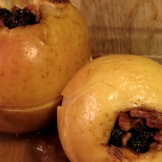 Baked Apples with Maple Syrup and Pecans.