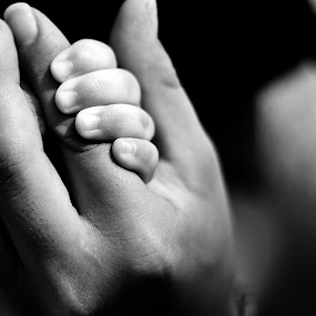 Mom holds my hand by Jorge Villalba - People Body Parts ( mother, hands, fingers, son, pwchands )