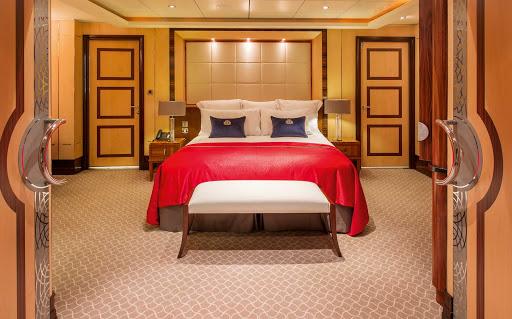 QM2-Q2-Duplex-bedroom.jpg - A remastered Duplex suite bedroom on Queen Mary 2.