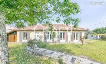 maison à Saint-Médard-d'Eyrans (33)