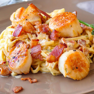 Pan Seared Scallops with Bacon Fennel Cream Sauce.