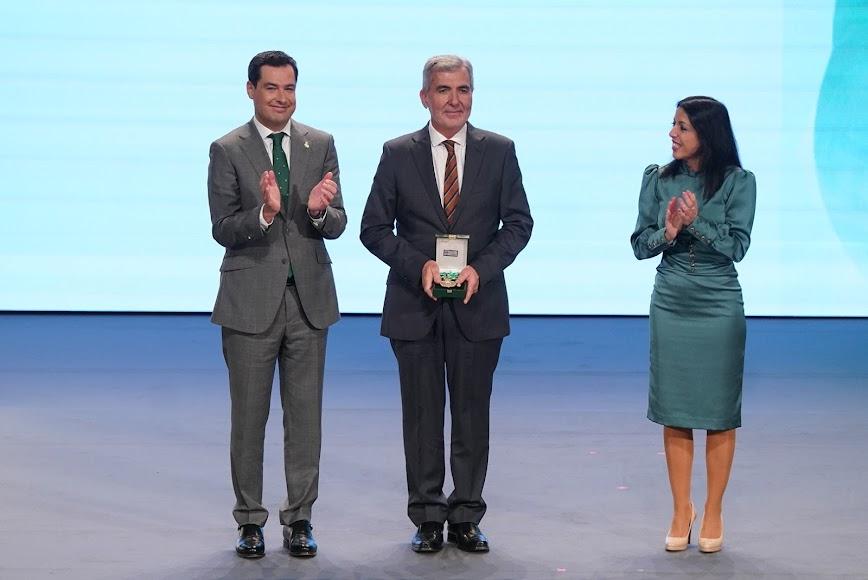 Entrega de la Medalla de Andalucía a Verdita.
