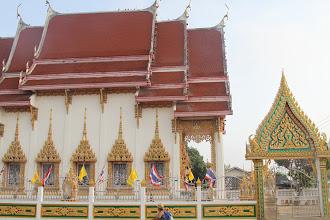 Photo: Šventykla, šalia kurios mes miegojome.  We slept close near this temple.
