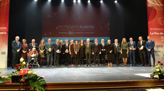 Foto de familia tras la gala celebrada en el Maestro Padilla.