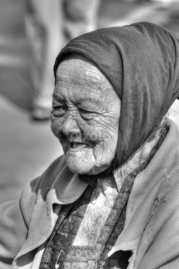 Senyum Indonesia by Yoga On Anggrai - People Street & Candids