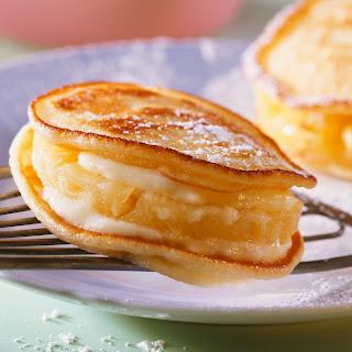 American Pancakes mit Ananas und Kokoscreme