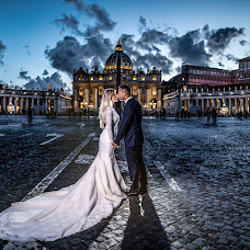 Wedding photographer Eisar Asllanaj (fotoasllanaj). Photo of 26.05.2018