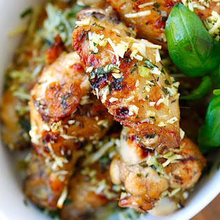 Oven Baked Garlic Parmesan Chicken Wings