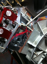 Photo: Ook zijn we weer een stapje verder gegaan, we hebben nu ook jaja de cilinderkoppen gepolijst.