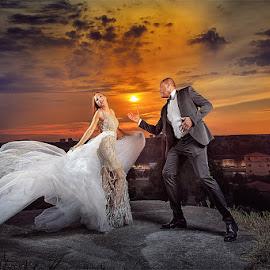 wedding by Dejan Nikolic Fotograf Krusevac - Wedding Bride & Groom ( bridesmaids, aleksandrovac, dejan nikolic, sunset, krusevac, wedding, kalemegdan, beograd, bride and groom, bride, groom )