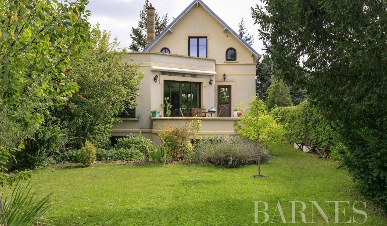 Villa avec jardin et terrasse Chatou