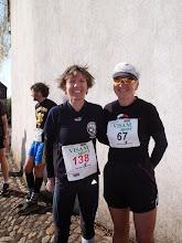 Photo: Muttenz Marathon 2015, Jacqueline Keller und Daniela Nusseck vor dem Start
