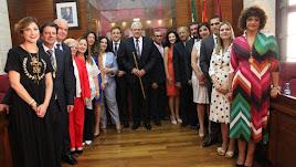 José Carmelo Jorge (centro) tras ser investido.