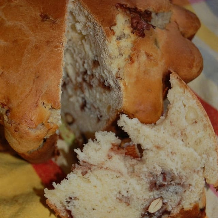 Express Buns with Almond Cocoa Pralines