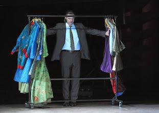 Photo: LES CONTES D'HOFFMANN im Theater an der Wien. Regie: Roland Geyer. Premiere: 4.7.2012. John Relya. Foto: Barbara Zeininger