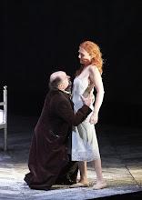 Photo: LADY MACBETH VON MZENSK - Wiener Staatsoper, 8.3.2015. Kurt Rydl, Angela Denoke. Foto: Wiener Staatsoper/Michael Pöhn