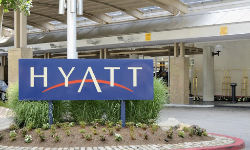 American AAdvantage and World of Hyatt Team to Offer Status Challenge