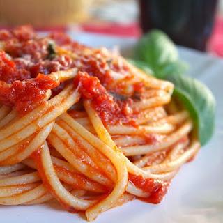 Authentic (Quick) Italian Tomato Sauce for Pasta.