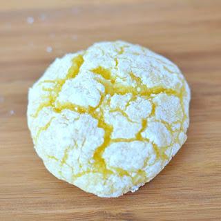 Easy Lemon Crackle Cookies.