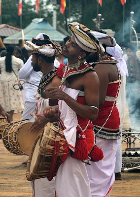 Fool Moon Poya - Musician di Migliu