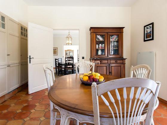 Vente propriété 9 pièces 300 m2