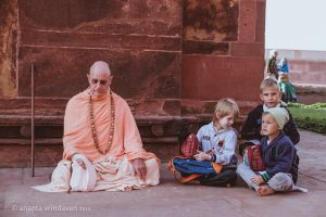 Śrī-Śrī Rādhā-Madana-Mohan – HH Śrīla Indradyumna Swami – Instructions