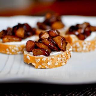 Roasted Cinnamon Pear Bruschetta Recipe