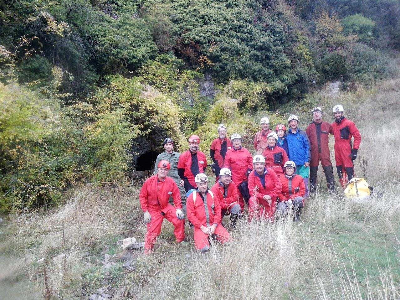 Cuevas de Esjamundo