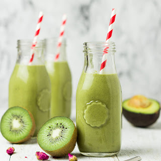 Green Kiwi Matcha Protein Smoothie.