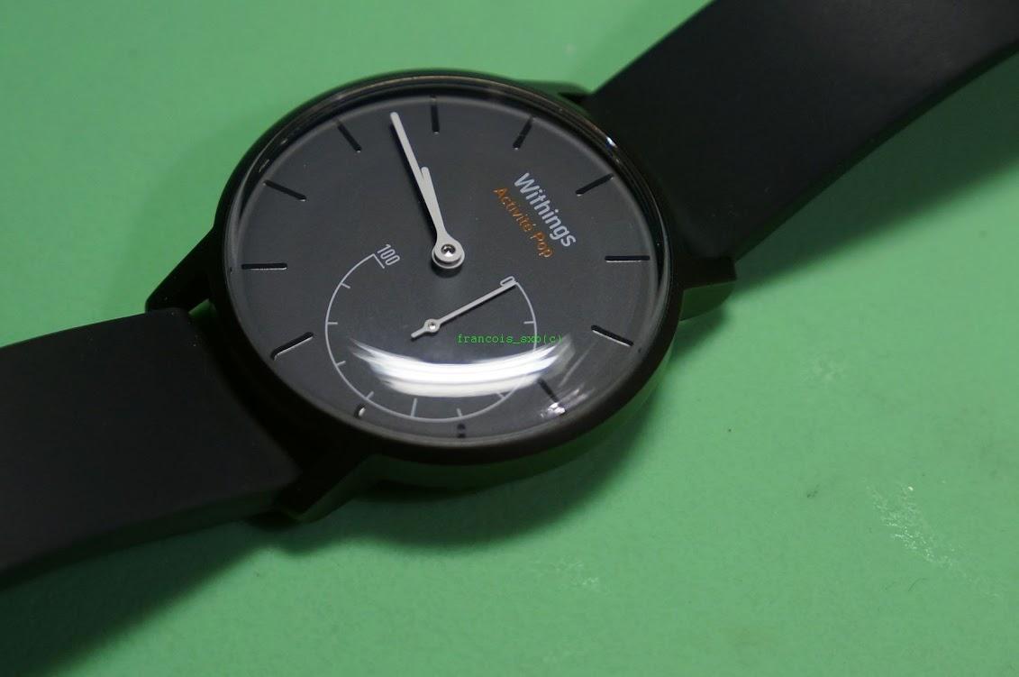 Changement de pile sur une montre Withings Activité Pop  dans Restauration