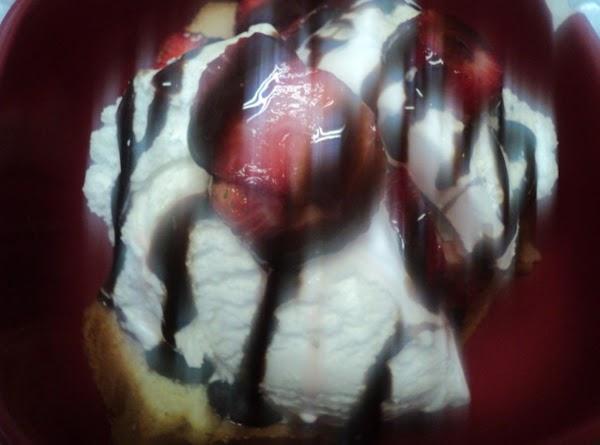 Creamy, Dreamy Strawberry Poundcake Recipe