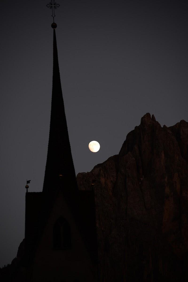 La luna tra i monti di Bemolle