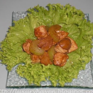 Healthy Celery Chicken In Lovely Lettuce Pouches