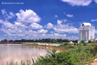 Photo: Don Chan Palace Hotel has great views of the Mekong Riverhttp://www.accommodationnear.net/Laos/Vientiane/Don_Chan_Palace_Vientiane