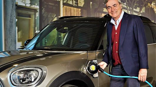 Carlos Sainz y Automotor Costa nos aconsejan utilizar el Mini en modo eléctrico