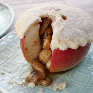 Mini Apple Pies - Baked in an Apple!.
