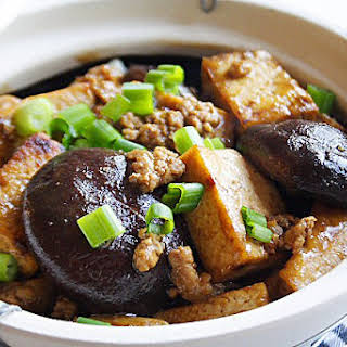 Braised Bean Curd (Firm Tofu) with Mushrooms.