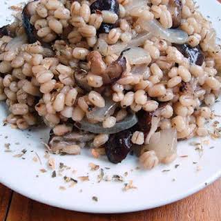 Easy Barley and Mushroom Pilaf Recipe (Vegetarian with Vegan Option).