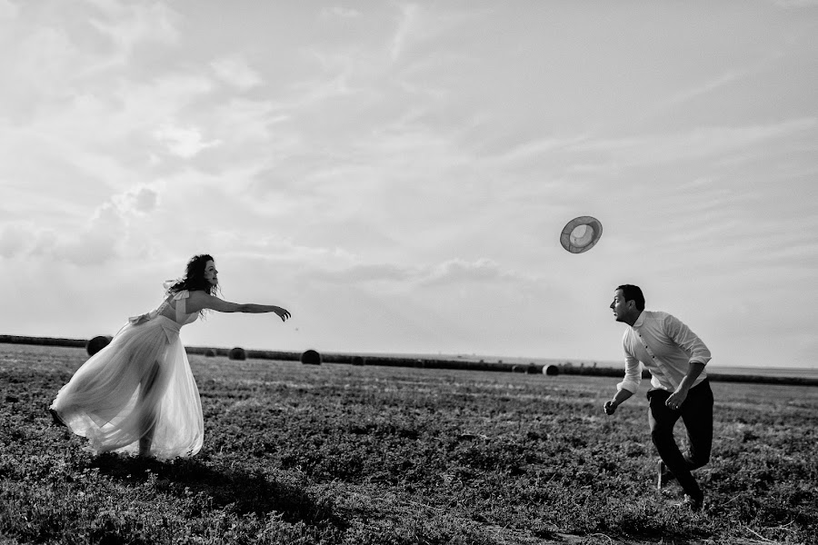 Wedding photographer Marius Barbulescu (mariusbarbulesc). Photo of 16.03.2016