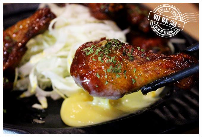 攝飲動漫主題餐廳香吉士烤雞翅3