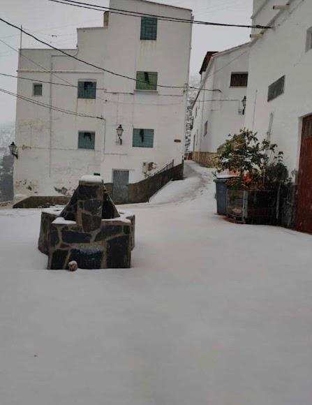 Primeras nieves en el municipio de Sierro. /Foto: Facebook Sierro Almería