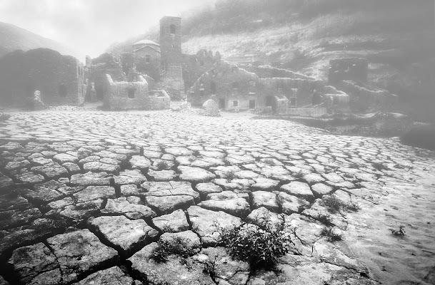Nebbia nel paese fantasma di Patrix