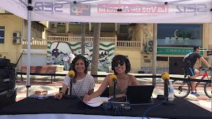 La presentadora Marta Rodríguez y la reportera Dama Maqui.