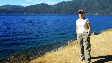 Photo: On the way, we stopped at a beautiful lake.