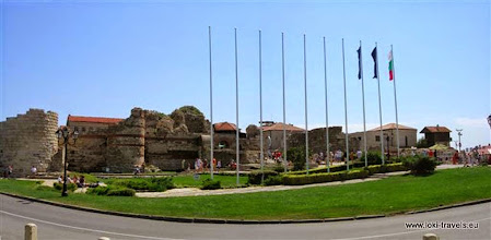 Photo: Nessebar, middeleeuwse stadswallen | mediaeval city rampart.  www.loki-travels.eu