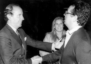 Photo: El empresario José María Ruiz Mateos con Amado Moreno momentos antes de una entrevista.
